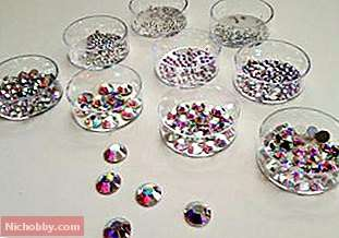 How to create a picture of rhinestones with their own hands