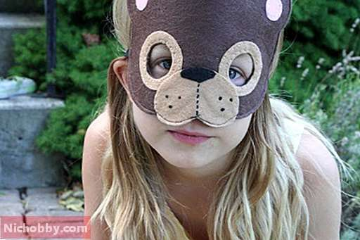 "Mask ""Bear"": how to make out of improvised means in a matter of minutes"